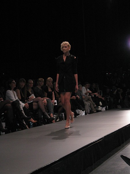 Nina Šušnjara 50:50 Elle Fashion Week